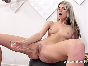 humid saucy cooter with yoga stunner Gina Gerson