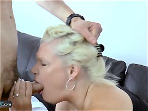 EuropeMaturE Milena Geting ultra-kinky During luxurious play