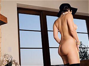 spunky stunner Valentina Nappi looks unbelievable as she plays