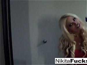 Solo fishnet solo with hot cougar Nikita Von James