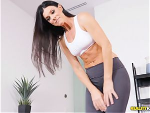 super-naughty cougar India Summers thrashed in the cootchie during yoga