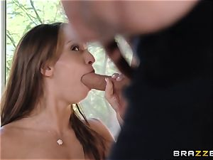 India Summers flashes Sara Luvv how to drill her boy