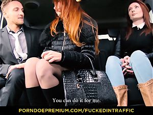 porked IN TRAFFIC - Deep coochie humping for slim beauty