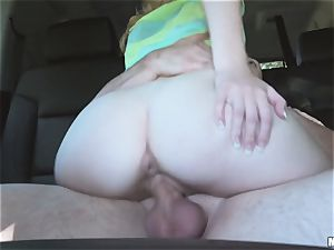 Kiera Winters thanks her pick up with some serious fuckfest