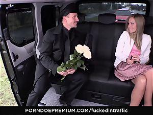 poked IN TRAFFIC - cum on backside for horny slim blondie