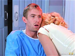 red-hot nurse Kayney Linn Karter