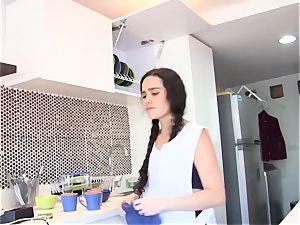 OPERACION LIMPIEZA - Latina maid greased up and banged