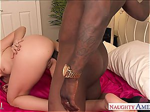chocolate-colored haired babe Dana DeArmond gapes her rear for wood