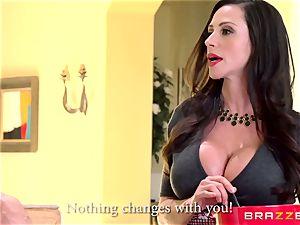 mummy Ariella Ferrera porks her daughters-in-law admirer