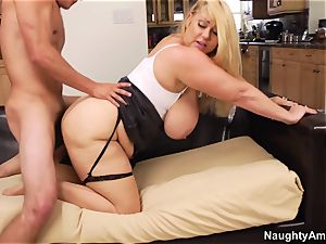 bbw Samantha 38G - This is indeed the biggest mounds I've ever seen