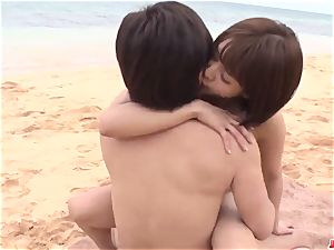 Saya Tachibana romp at the beach with a wild dude