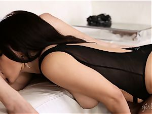Chanel Preston 3some with her ladies