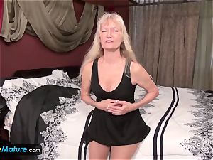 EuropeMature older grandmothers Amy and Cindy onanism