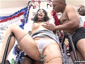 chinese mega-bitch getting weird with the ebony boys
