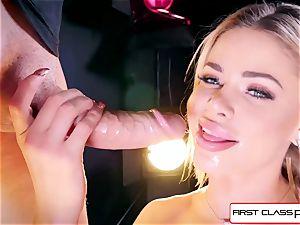 observe Jessa Rhodes taking a meaty spunk-pump down her facehole